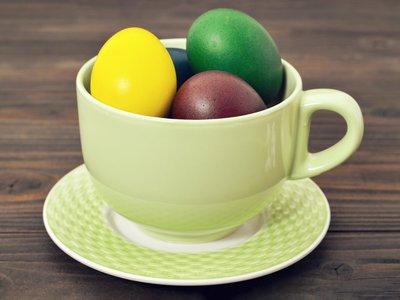 Pisanki barwione herbatą